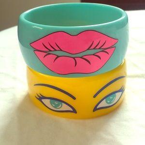 Amazing colorful Lip &Eye Vintage Acrylic Bangles